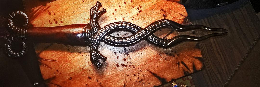 Conan - Fangs of the Serpent dagger 01s.jpg