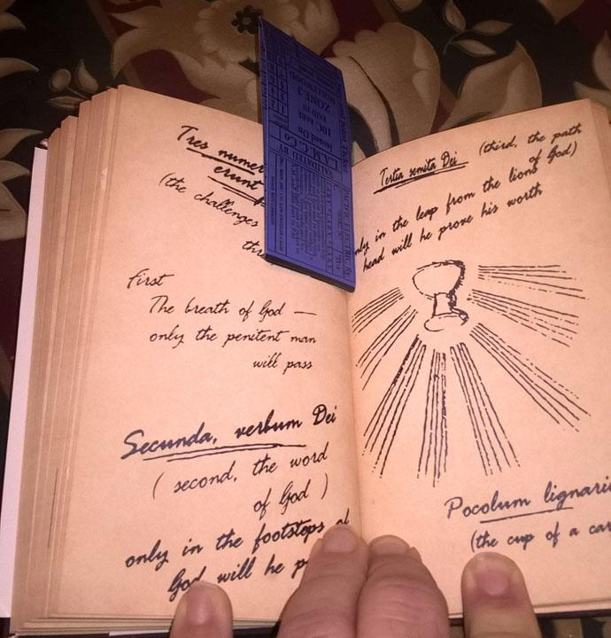 Grail Diary Open 01 s.jpg